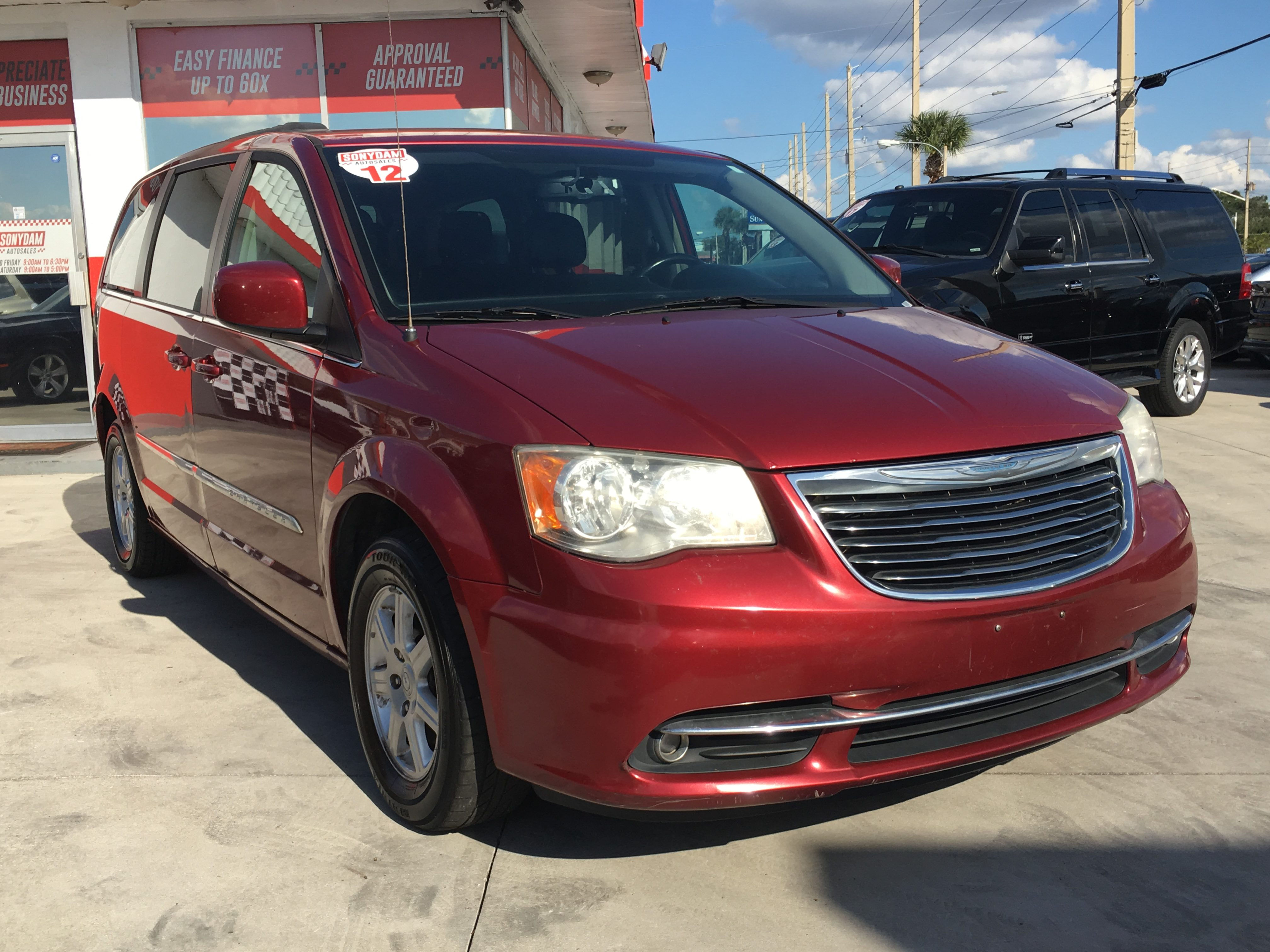 Town And Country Auto Sales >> 2012 Chrysler Town Country Sonydam Auto Sales